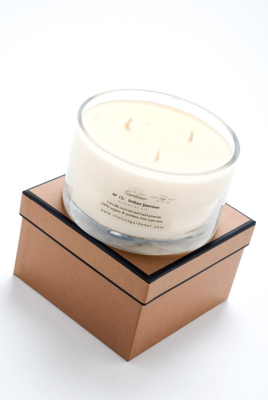 Jumbo scented candle in giftbox
