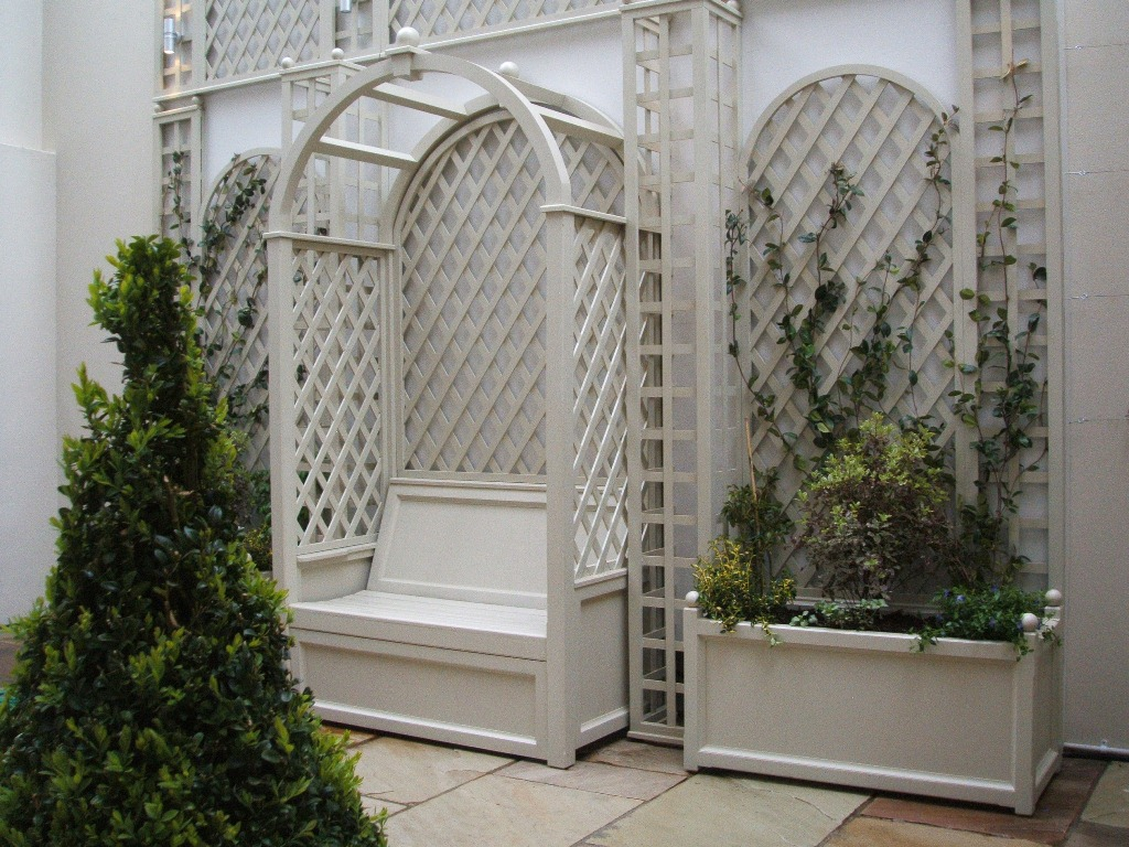 The quality hallmarks of Anthony de Grey Trellises