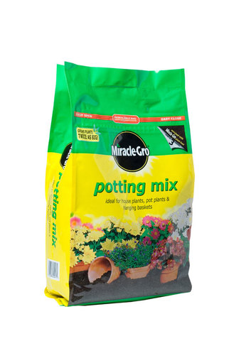 Miracle Gro Potting Mix 8L