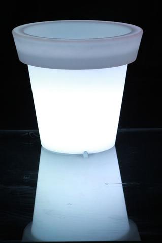 LED Traditional Planter Medium