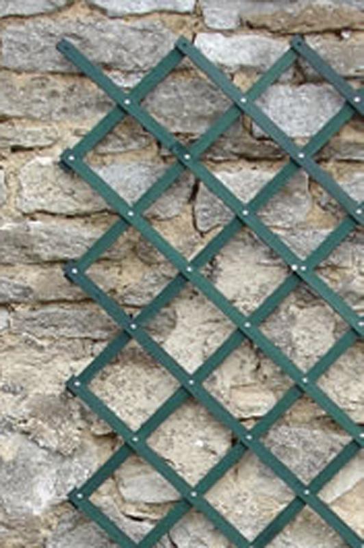 Riveted Diamond Expanding Trellis Green 6'x1'
