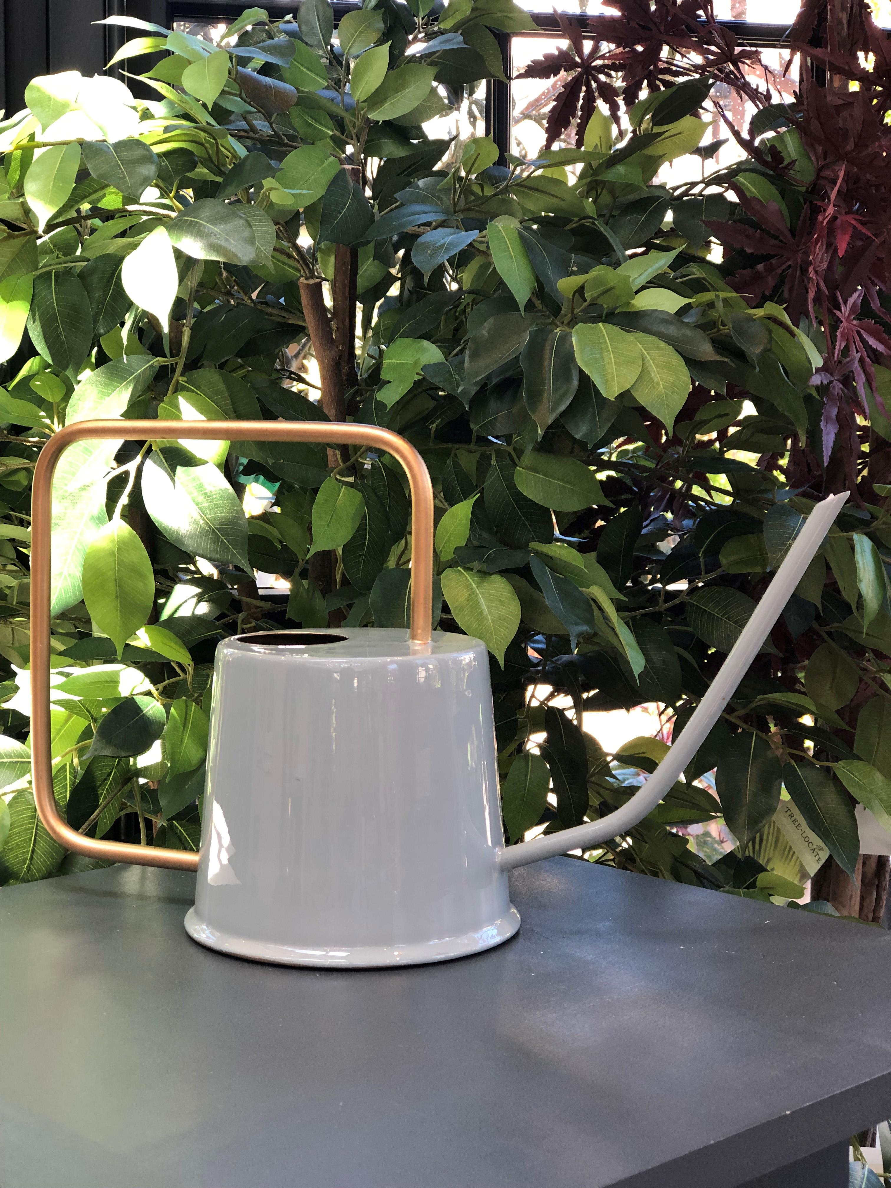 Watering can in Jaryn Blue